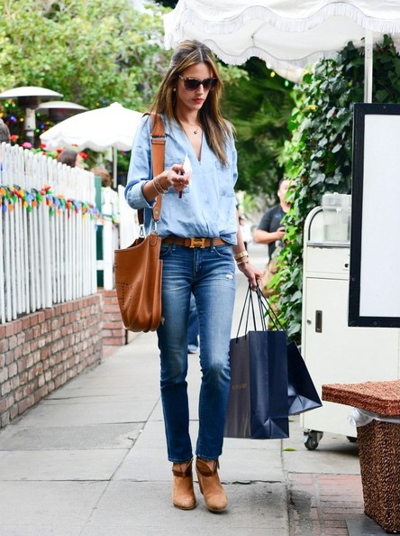 Alessandra+Ambrosio+Alessandra+Ambrosio+Shops+8O6N4lLdp8Vl