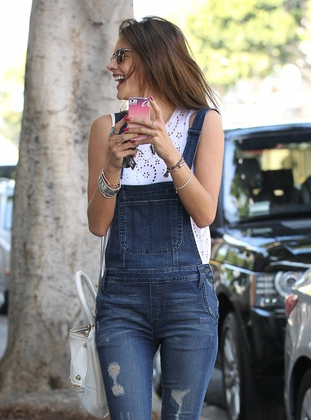 Alessandra+Ambrosio+Alessandra+Ambrosio+Shops+aV7iqxx08cPl