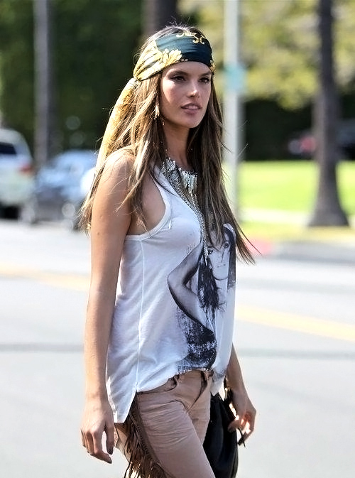 alessandra-ambrosio-hair-fix-head-scarf