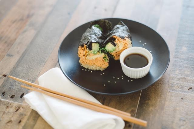 Foodie Love: Spicy Salmon Nori Wrap